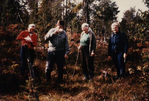 Brovägen Oxåskällan Hära Karin Gottfrid, Ingeborg och Elvy