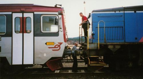 Bogsering av motorvagn som havererat Motorvagn Y1 Tåg i Bergslagen2