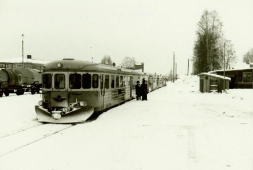 Den gamla Y6-Y7 rälsbussarna. Med tanke på längden kan det vara ett Vasaloppståg