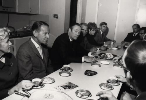 Lunchrummet Källvägen Eskil Kvarnlöf (Verkmästare på bokbinderiet) i höger hörn på bilden